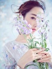 蒋梦婕公主造型仙气满分 清新甜笑显灵动