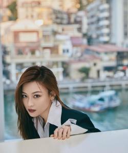 尚语贤英气海边性感写真图片