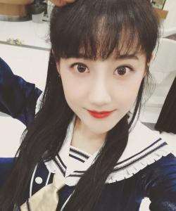 SNH48李艺彤生活自拍照