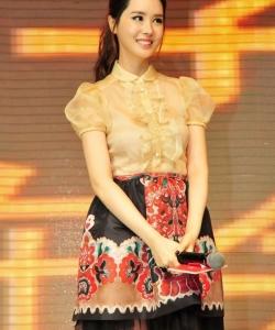 韩星李多海广州代言 甜美娇俏走猫步 李多海图片