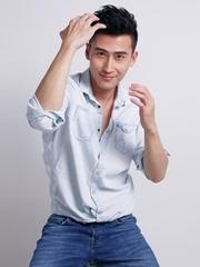 刘立曝暖男写真 治愈系笑容温暖人心