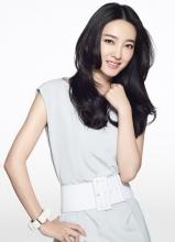王丽坤清新戏外时尚写真