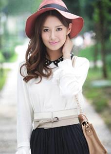 张子萱户外清新时尚写真