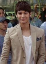 金范称杨幂在韩很有名 出演微时代之恋追女友