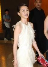 周迅白色短裙清丽亮相 赵薇陈坤失和不知情