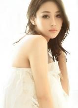 张馨予白色清新写真