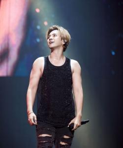 罗志祥世界巡回演唱会北京站舞台照图片