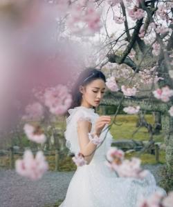 李沁春日仙气唯美写真图片