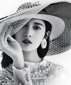陈钰琪时尚摩登魅力写真图片