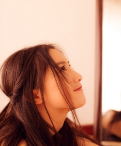 王瑛瑛温柔甜美写真图片