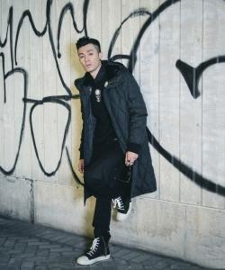 香港型男周柏豪时尚街拍图片