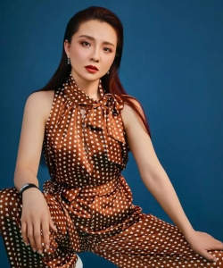 孙茜时尚优雅性感写真图片