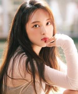 韩星金宝罗甜美可人写真图片