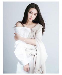 薛凯琪时尚甜美写真图片