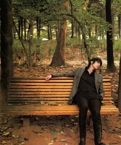 忧郁王子李栋旭森林里的写真集