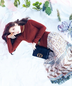 裴秀智时尚性感杂志写真图片