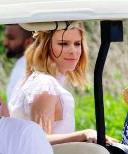 凯特·玛拉坐高尔夫车贵妇范十足图片