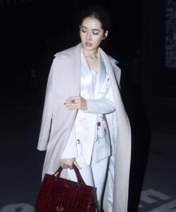 郭碧婷最新深夜时尚街拍写真图片