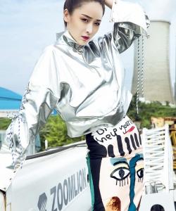 李曼酷炫个性时尚写真图片