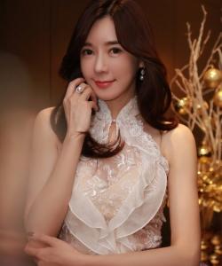 周韦彤时尚礼服长裙性感图片