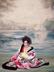 又美又怪!《爱丽丝2》红皇后写真个性