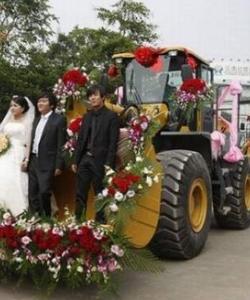 一哥们的婚车 震撼全场
