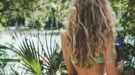 金黄色头发的美女背影图片(13张)