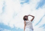 外出郊游的女生图片(30张)