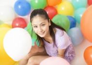 女孩和气球图片(28张)