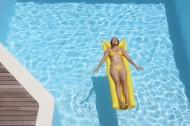 游泳池里图片(38张)