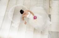 穿着婚纱的美女图片(10张)