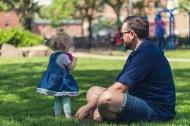 一对父女在公园玩耍图片(11张)