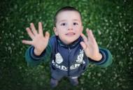调皮可爱的小男孩图片(10张)