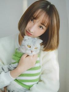 可爱纯情少女和宠物的日
