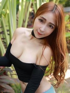 日系甜美少女黄歆苑肉肉诱惑
