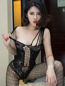 性感妖娆红唇嫩模子熙私房连体黑丝美腿写真
