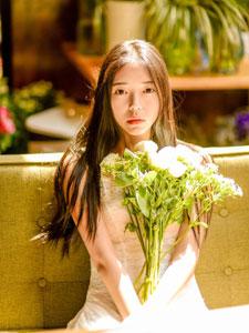 清纯如花的绝美少女