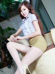 靓丽美女Olivia白领制服肉丝高挑写真