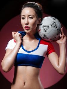 厦大校花苏珊娜变身足球宝贝