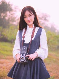可爱少女的户外写真