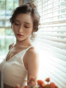 性感异国美女惊艳动人唯美纯白写真