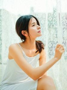 气质美女私房温柔漂亮柔和写真