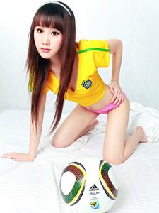 长发刘海清纯足球少女