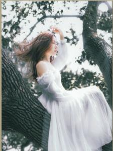 纯美白皙美女宛如仙子