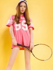 网球运动美女允儿美腿诱惑高挑写真