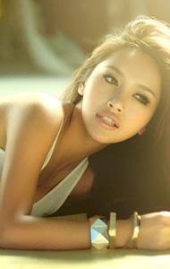 性感美女展示性感女神风范