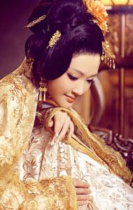 华丽古装贵妇 秀丽高贵