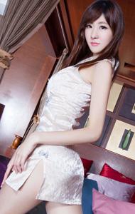 高跟长腿丝袜美女图片 白色旗袍显性感
