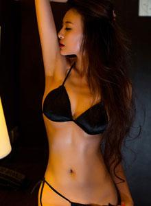 尤果美女模特性感比基尼私拍