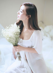 唯美女孩婚纱拍摄图片 小秀性感